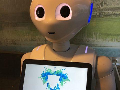 Robot ontvangt bezoekers Leidschendam-Voorburg