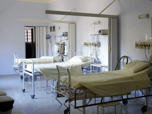 Corona verplicht ziekenhuis tot capaciteitscheck